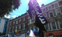 Gays radicalize? Gay Pride in Londong with Dildo-ISIS flag - Радикализация геев? - Гей Прайд в Лондоне прошел под флагом Фалло-ИГИШ