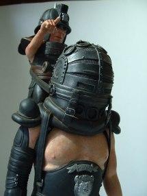Бюрократия - это гигант с ампутированной головой, которым управляет карлик-Сатанист (Правило выживания).