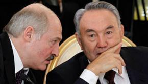 Лукашенко, как и Назарбаєв - авторитарные лидеры. Ничего не сливают. Путин и Порошенко - марионетки, предатели, заграничные агенты.